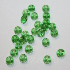 pccb50100-04/0 4.8 - 5.3 mm, apvali forma, skaidrus, žalia spalva, apie 50 g.