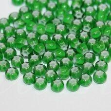 pccb00358-06/0 3.7 - 4.3 mm, apvali forma, žalia spalva, margas, viduriukas balta spalva, apie 50 g.
