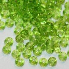 pccb50220-33/0 apie 8 mm, apvali forma, skaidrus, žalia spalva, apie 50 g.