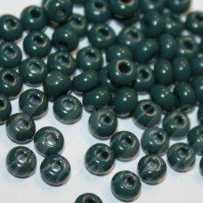 PCCB53270-07/0 3.2 - 3.7 mm, apvali forma, tamsi, žalia spalva, apie 50 g.