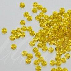 pccb80010-15/0 1.4 - 1.5 mm, apvali forma, skaidrus, geltona spalva, apie 50 g.