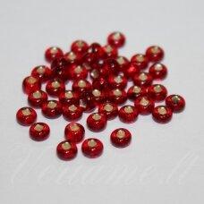 pccb97090-13/0 1.6 - 1.8 mm, apvali forma, raudona spalva, viduriukas su folija, apie 50 g.