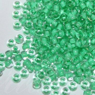pccb00225-10/0 2.2 - 2.4 mm, apvali forma, skaidrus, viduriukas žalia spalva, apie 50 g.