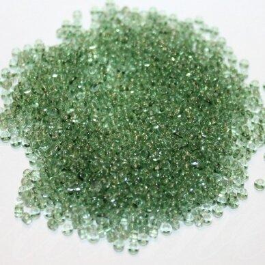 PCCB01163-06/0 3.7 - 4.3 mm, apvali forma, skaidrus, žalia spalva, apie 50 g.