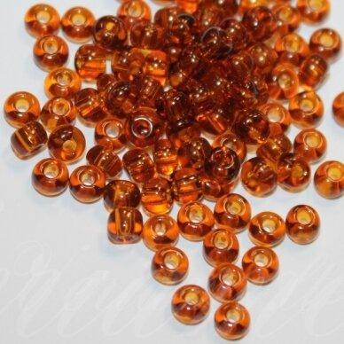 pccb10090-13/0 1.6 - 1.8 mm, apvali forma, skaidrus, tamsi, gintaro spalva, apie 50 g.