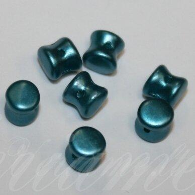 PCCB111/01339/02010/25043-04x6 apie 4 x 6 mm, pellet forma, apie 24 vnt.