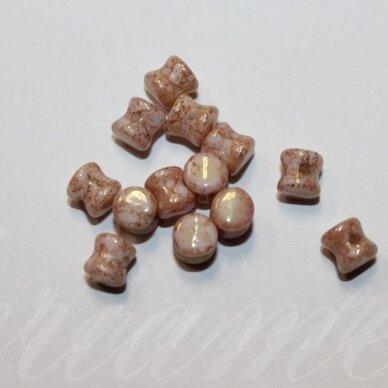 PCCB111/01339/03000/15495-04x6 apie 4 x 6 mm, pellet forma, apie 32 vnt.