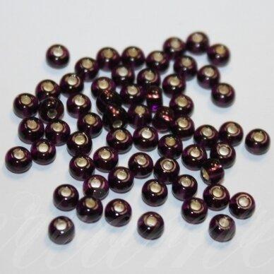 PCCB27080-06/0 3.7 - 4.3 mm, apvali forma, skaidrus, violetinė spalva, viduriukas, sidabro spalva, apie 50 g.