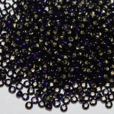 pccb29001/37110-10/0 2.2 - 2.4 mm, apvali forma, violetinė spalva, kvadratinė skylė, viduriukas su folija, apie 50 g.