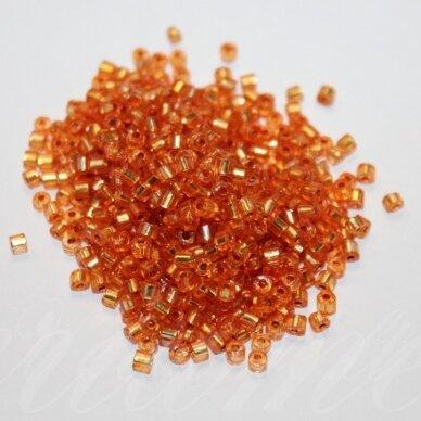 pccb31001/08289-08/0 2.5 x 2.5 mm, pailga forma, skaidrus, oranžinė spalva, viduriukas su folija, apie 50 g.