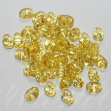 PCCB321/96001/01181-2.5 x 3 x 5 mm, twin forma, skaidrus, geltona spalva, apie 20 g.
