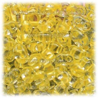 PCCB321/96001/38986-2.5 x 3 x 5 mm, twin forma, skaidrus, viduriukas, geltona spalva, apie 50 g.
