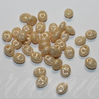 pccb321/96001/47112-2.5 x 3 x 5 mm, twin forma, kreminė spalva, apie 20 g.