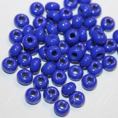 pccb33050-13/0 1.6 - 1.8 mm, apvali forma, mėlyna spalva, apie 50 g.