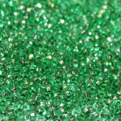 pccb29001/18256-10/0 2.2 - 2.4 mm, apvali forma, skaidrus, žalia spalva, kvadratinė skylė, viduriukas su folija, apie 50 g.