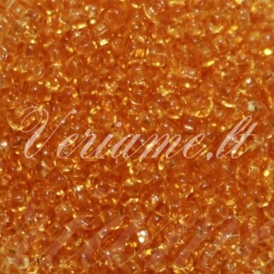 pccb331/29001/10020-09/0 2.2 - 2.4 mm, apvali forma, skaidrus, šviesi, oranžinė spalva, kvadratinė skylė, apie 50 g.
