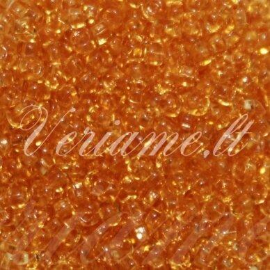 pccb331/29001/10020-11/0 1.8 - 2. mm, apvali forma, skaidrus, šviesi, oranžinė spalva, kvadratinė skylė, apie 50 g.