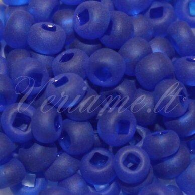 pccb331/29001/39001/30080-05/0 4.3 - 4.8 mm, apvali forma, matinė, mėlyna spalva, kvadratinė skylė, apie 50 g.