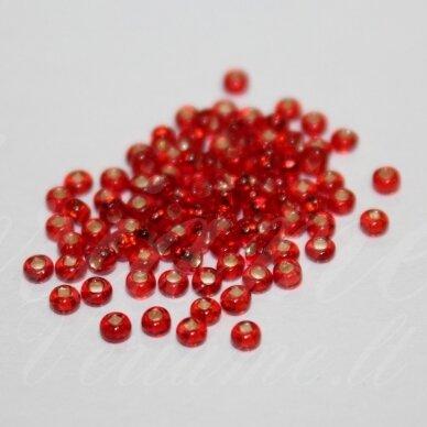 pccb331/29001/97070-10/0 2.2 - 2.4 mm, apvali forma, skaidrus, raudona spalva, kvadratinė skylė, viduriukas su folija, apie 50 g.