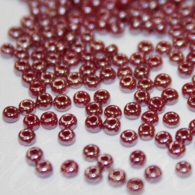 pccb98310-10/0 2.2 - 2.4 mm, apvali forma, bordo spalva, blizgi danga, apie 50 g.
