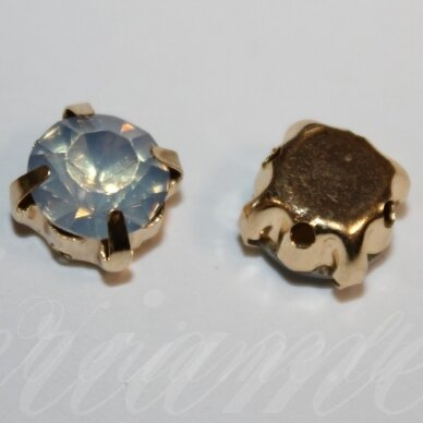 PJA4G10-06x5 apie 6 x 5 mm, 4 skylių, auksinė spalva metalinis pagrindas, disko forma, mėlyno opalito spalva, prisiuvama juvelyrinė akutė, 8 vnt.
