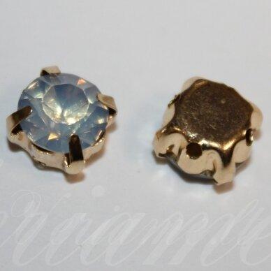 PJA4G10-09x7 apie 9 x 7 mm, 4 skylių, auksinė spalva metalinis pagrindas, disko forma, mėlyno opalito spalva, prisiuvama juvelyrinė akutė, 6 vnt.