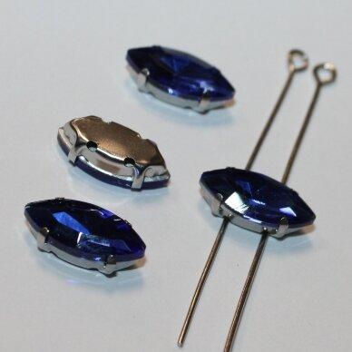 pja4m03-pai-06x12 apie 6 x 12 mm, 4 skylių, metalo spalva metalinis pagrindas, pailga forma, karališko mėlynumo spalva, prisiuvama juvelyrinė akutė, 6 vnt. 3