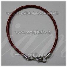 PKIT0225 apie 3 x 220 mm, raudona spalva, odinė virvutė, metalo spalva užsegimu, 1 vnt.