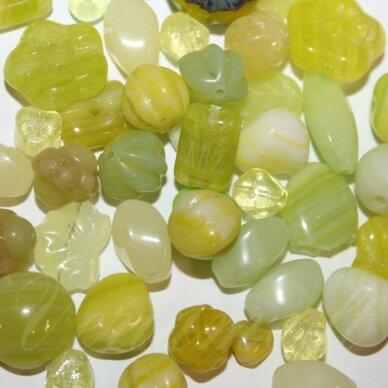 prstk92 mix-17uranium, įvairių dydžių, stiklinis karoliukas, mix spalva, apie 250 g.