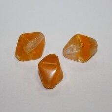 stk0491 apie 17.5 x 15 x 13.5 mm, pailga forma, briaunuotas, pusiau skaidrus, geltona spalva, stiklinis karoliukas, 6 vnt.