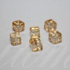 stk0537 apie 6 x 6.5 mm, netaisyklinga, kubo forma, skaidrus, geltona spalva, stiklinis karoliukas, 34 vnt.