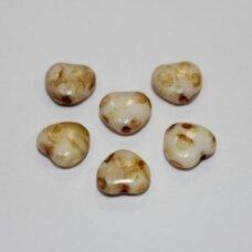 stk0842 apie 7.5 x 8 x 4 mm, širdutės forma, rusvai balta spalva, marga, stiklinis karoliukas, 64 vnt.