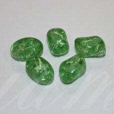 stk0844 apie 10 x 12 mm, netaisyklinga forma, skaidrus, daužtas, žalia spalva, stiklinis karoliukas, 19 vnt.
