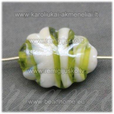 STIK0417 apie 21 x 16 x 9 mm, ovalo forma, marga, balta - žalsva spalva, stiklinis karoliukas, 1 vnt.