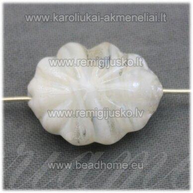 stik0419 about 21 x 16 x 9 mm, oblong shape, transparent, white color, glass bead, 1 pc.