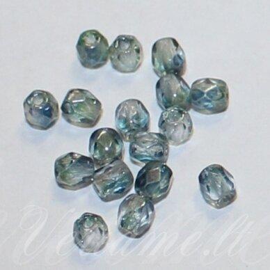 stkb00030/91007-04 apie 4 mm, apvali forma, briaunuotas, skaidrus, melsva spalva, stiklinis karoliukas, apie 73 vnt.