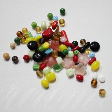 stkmix2, įvairių dydžių, įvairių formų, įvairių spalvų, stiklinių karoliukų mišinys, apie 250 g.