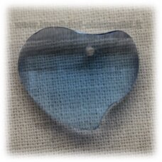 swp0008-sird-16x20x6 apie 16 x 20 x 6 mm, širdutės forma, skaidrus, šviesi, mėlyna spalva, pakabukas, 1 vnt.